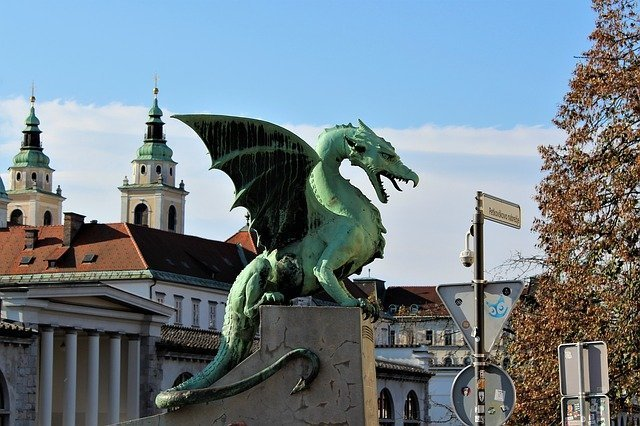 Our Balkan Tour continues. The magnificent dragons of Ljbuljana