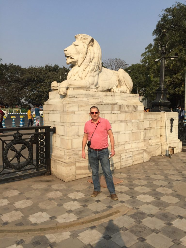 Kolkata City Tour Paul with the lions inside the Victoria Memorial Gardens
