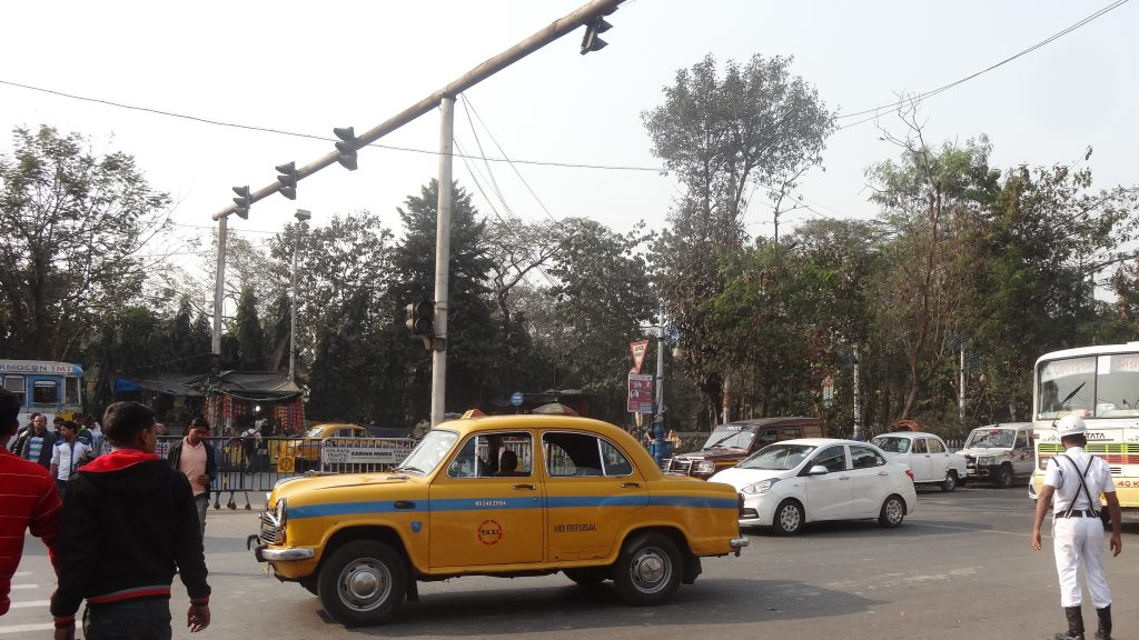 Crossing the road in Kolkata