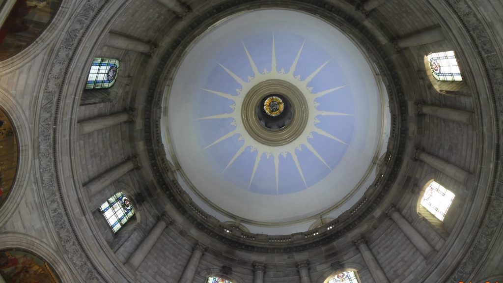 The domed ceiling of the Queens Hall Gallery at the Victoria Memorial Museum