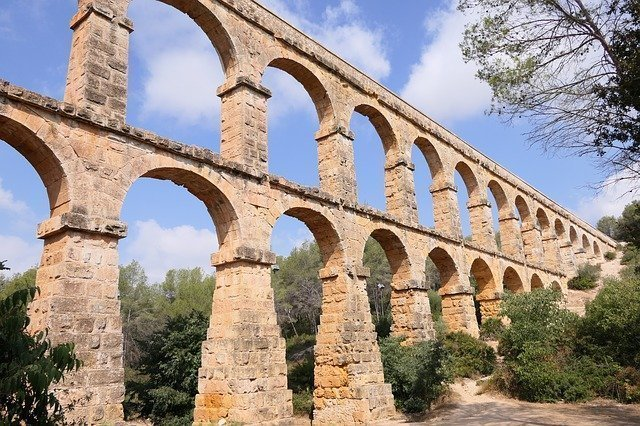 Visit the Pont Del Diable on your day trip from Barcelona to Tarragona.