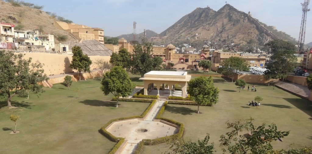 Jaipur Sightseeing Tour View across the gardens of Amber Fort in Jaipur