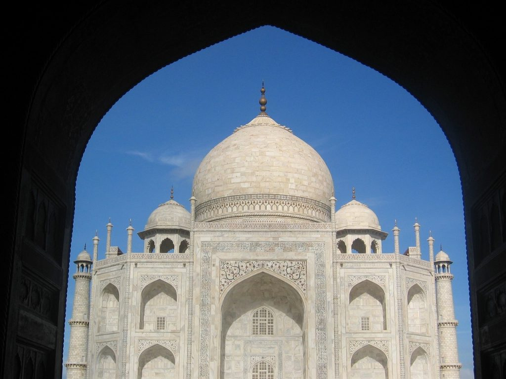 Fabulous framed view of Taj Mahal from the entance gateway