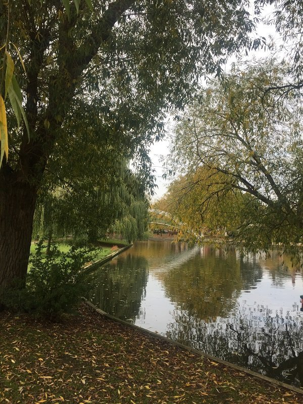 Walk along the River Ouse in Bedford