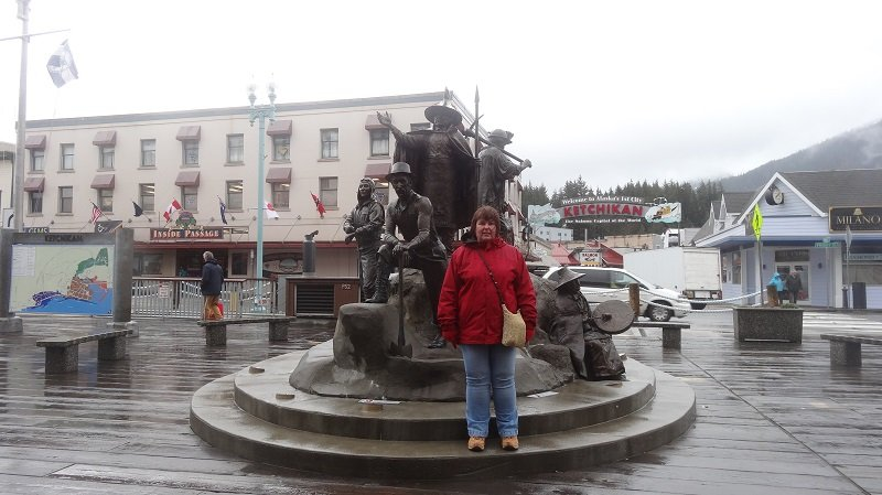 Statue dedicated to Gold Mining in Ketchikan