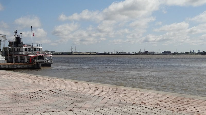 The Mississipi River runs through New Orleans