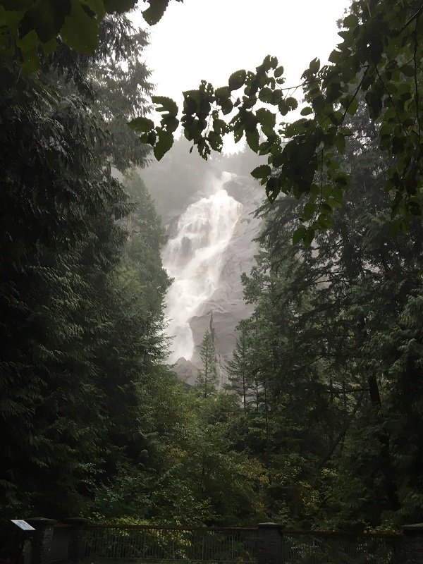 Vancouver to Whistler Sea to Sky HighwayShannon Falls