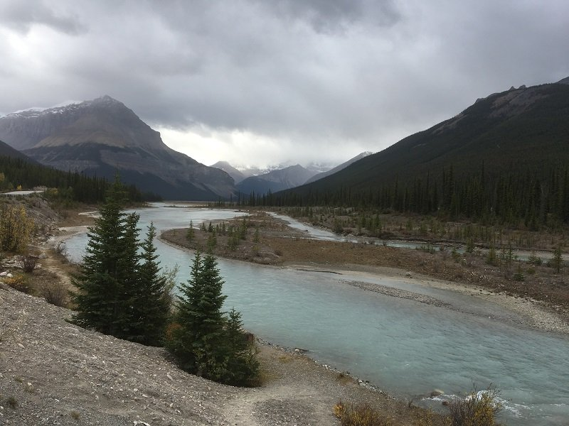On the road from Jasper to Banff on the Icefields Parkway